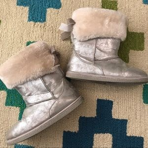 NORDSTROM Rack - Fluffy Silver Girls Boots